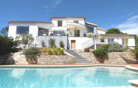 Property for sale in Languedoc - Roussillon. Villa – Nimes, Languedoc — Roussillon, France