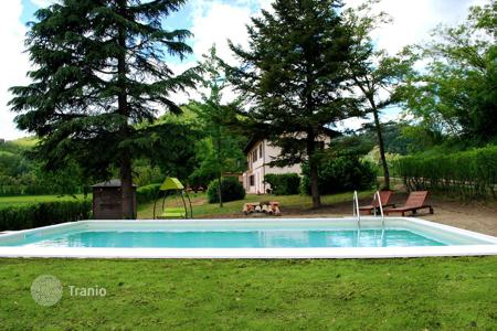 Houses with pools for sale in Piedmont. ANCIENT RESTORED PIEDMONT FARMSTEAD ON THE HILLS OF MONFERRATO