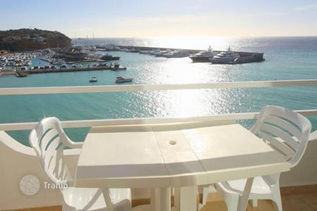 2 bedroom apartments for sale in Majorca (Mallorca). Sunny apartment with terrace and a beautiful sea view in El Toro, Majorca, Balearic Islands, Spain