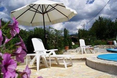 Property for sale in Buzet. House with a swimming pool in Buzet
