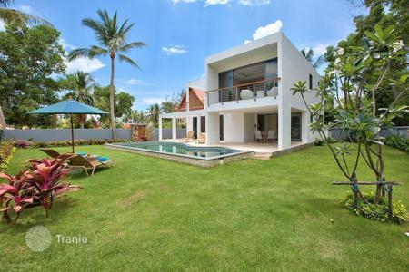 Houses for sale in Southeast Asia. Villa near the beach of Lipa Noi
