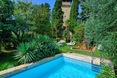 Villas and houses with pools to rent in Cetona. Castle - Cetona, Tuscany, Italy