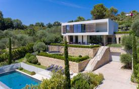 Luxury houses for sale in Valbonne. Splendid contemporaty villa with open view