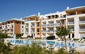 Apartments with pools for sale in Portugal. Apartment with two terraces, Albufeira, Portugal