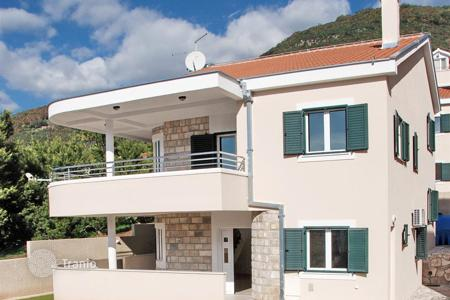 Property for sale in Kumbor. Villa – Kumbor, Herceg-Novi, Montenegro
