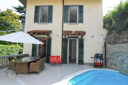 Luxury 3 bedroom houses for sale in Laglio. Villa in Laglio with Como Lake views, swimming pool and a granny flat
