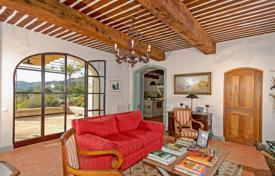 Property to rent in France. Villa – Les Baux-de-Provence, Provence — Alpes — Cote d'Azur, France