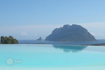 Property to rent in Sardinia. Villa Bianca