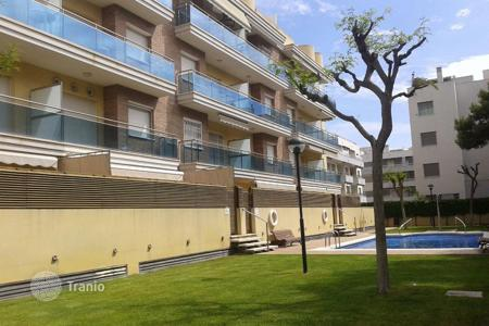 Apartments with pools by the sea for sale in Sant Salvador. Apartment - Sant Salvador, Catalonia, Spain