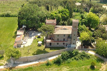 Houses with pools for sale in Umbria. Exclusive neo Gothic style period property