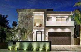 5 bedroom houses for sale in North America. Upscale two-story furnished villa with roof terrace, Los Angeles, USA