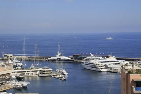 Luxury 3 bedroom apartments for sale in Monaco. Soleil d'Or spacious and light 5-room apartment