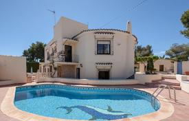 Residential for sale in Senija. 7 bedroom villa with sea views, 1360 m² plot and summer dining area in Benissa