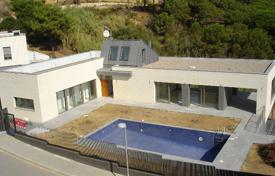 Coastal property for sale in Blanes. Villa – Blanes, Catalonia, Spain