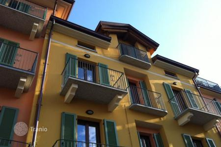 Apartments with pools for sale in Piedmont. Apartment – Stresa, Piedmont, Italy