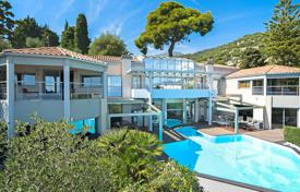 Luxury residential for sale in Roquebrune — Cap Martin. Roquebrune-Cap-Martin — Ultra-contemporary villa