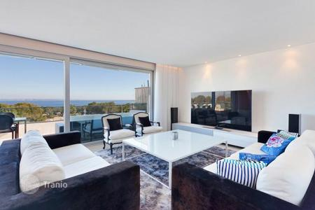 Apartments with pools for sale in Majorca (Mallorca). Penthouse with sea view in a residence with a swimming pool and a garden in Sol de Mallorca, Mallorca, Mallorca, Balearic Islands, Spain