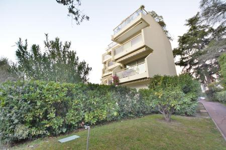 Cheap residential for sale in Côte d'Azur (French Riviera). 1 bedroom apartment — Cap d'Antibes — Saramartel