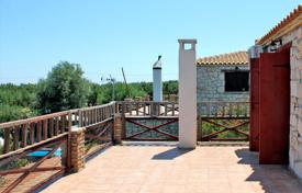 Houses with pools by the sea for sale in Peloponnese. Detached house – Peloponnese, Greece