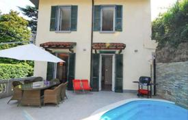 3 bedroom houses for sale in Laglio. Villa in Laglio with Como Lake views, swimming pool and a granny flat