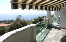 3 bedroom apartments by the sea for sale in Budva. Spacious apartment in Petrovac