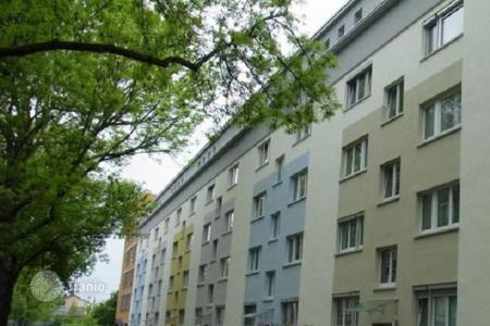 Cheap commercial property in Europe. Profitable one bedroom apartment with a balcony in Frankfurt, in a prestigious area of Bockenheim. High rental potential. Yield — 4,6%