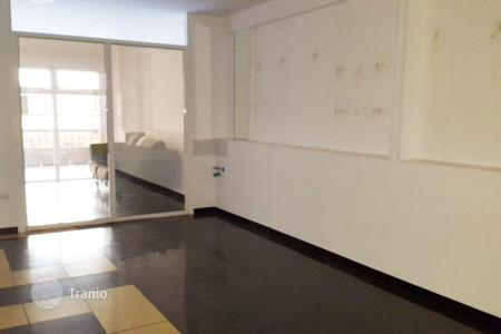 Commercial property for sale in Canary Islands. Commercial premises in a shopping center, at 150 meters from the beach, near the post office, Tenerife, Spain