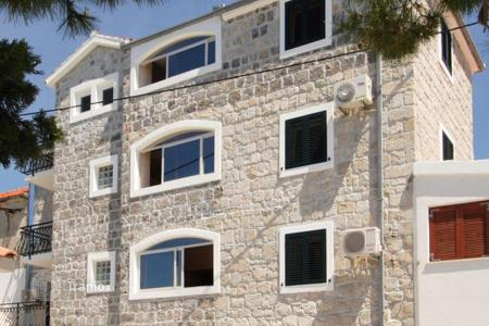 Coastal residential for sale in Split. A spacious house for sale in Split, Croatia