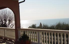 Coastal houses for sale in Bordighera. Sea view villa for sale in Bordighera