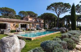 Houses for sale in Ramatyuel. Close to Saint-Tropez — Adorable villa in the middle of the countryside