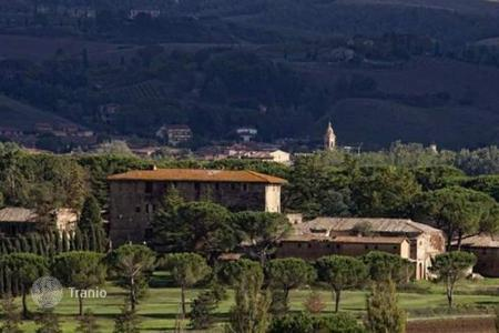 Development land for sale in Siena. Development land - Siena, Tuscany, Italy