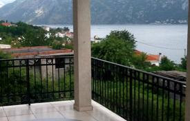 Apartments with pools for sale in Prčanj. Apartment in buiding with outdoor pool in Kotor Bay