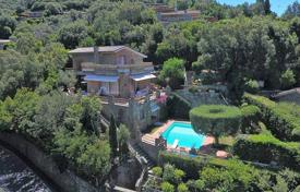 3 bedroom houses for sale in Tuscany. Magnificent villa with a swimming pool in Castiglione della Pescaia, Tuscany, Italy