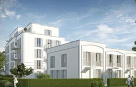 Residential for sale in Germany. Apartment with a balcony and a terrace in a picturesque district with well-developed infrastructure, Pankow, Berlin, Germany