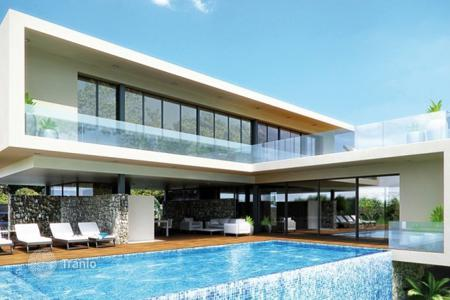 Houses with pools for sale in Basque Country. Villa – Basque Country, Spain