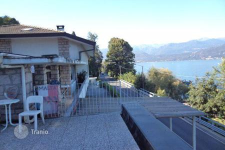 6 bedroom houses by the sea for sale in Italy. Villa - Piedmont, Italy