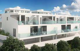 Townhouses for sale in Costa Blanca. Townhouse with 3 bedrooms, private solarium and basement in Villamartín