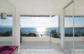 2 bedroom apartments by the sea for sale in Provence - Alpes - Cote d'Azur. Cannes — Croisette — Beautiful apartment