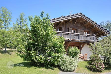 Cheap residential for sale in Megeve. Villa – Megeve, Auvergne-Rhône-Alpes, France
