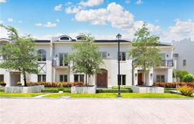 Luxury 6 bedroom houses for sale in North America. Townhome – Miami, Florida, USA