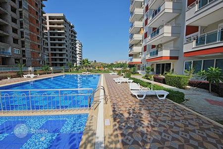 Cheap 1 bedroom apartments for sale overseas. The apartment in a prestigious building in Mahmutlar