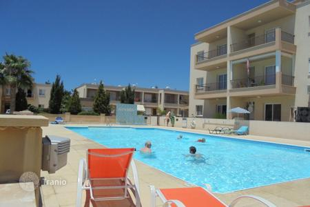 Apartments for sale in Mandria. 2 Bed Gr/Floor Apt with large Garden