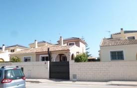 Cheap townhouses for sale in Spain. Terraced house – Ondara, Valencia, Spain