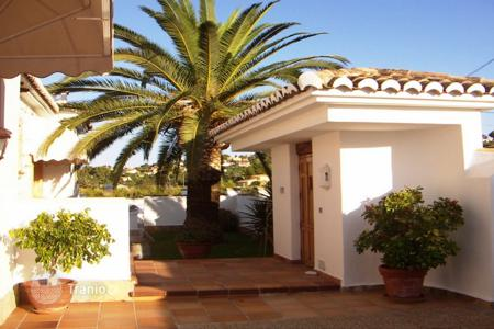 Houses with pools for sale in Denia. Villa – Denia, Valencia, Spain