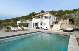 In beautiful contemporary home environment for 1,670,000 €