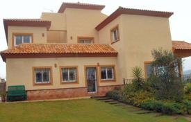 5 bedroom houses for sale in Castille and Leon. Villa with fabulous views