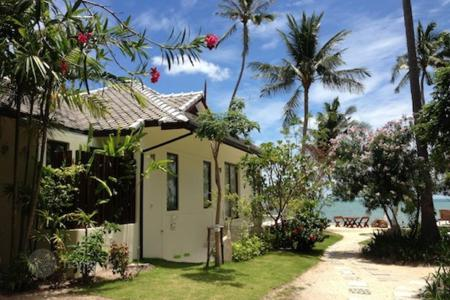 5 bedroom villas and houses to rent in Ko Samui. Exclusive villa overlooking the bay near Bophut