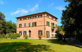 Classic villa of the XVIII century with a park in Foiano della Chiana, Tuscany, Italy for 1,600,000 €