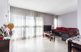 Residential for sale in Sant Martí. Three-bedroom apartment in Sant Martí district, Barcelona, Spain