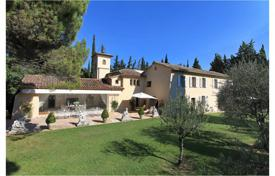 Luxury residential for sale in Auribeau-sur-Siagne. Nearby Mougins - Character house
